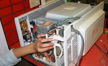 Sửa lò vi sóng tại quận 2 giá rẻ, sua vi song quan 2, sửa lò vi sóng tại nhà