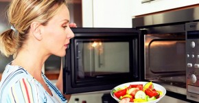 8 loại thực phẩm không được nấu trong lò vi sóng