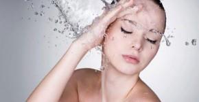 Xuýt chết vì tắm nước lạnh giữa trưa nóng